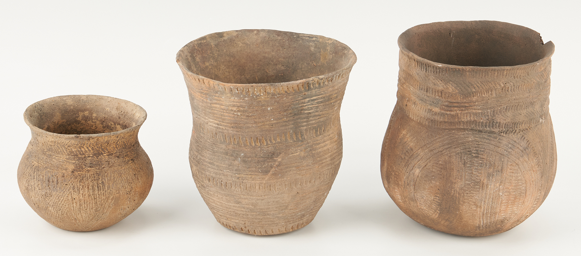 Lot 1112: 3 Mississippian Caddo Pottery Jars, Incised