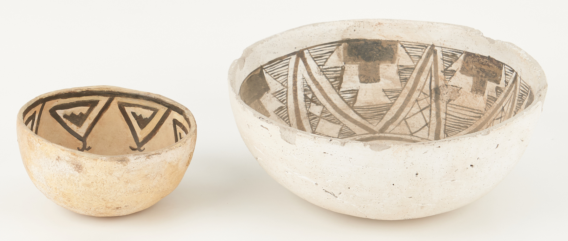 Lot 1114: 2 Native American Anasazi Chaco Canyon Bowls