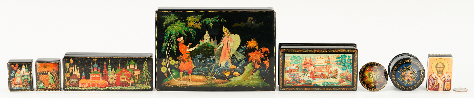 Lot 1161: 8 Russian Lacquer items incl. Boxes & 1 Pin