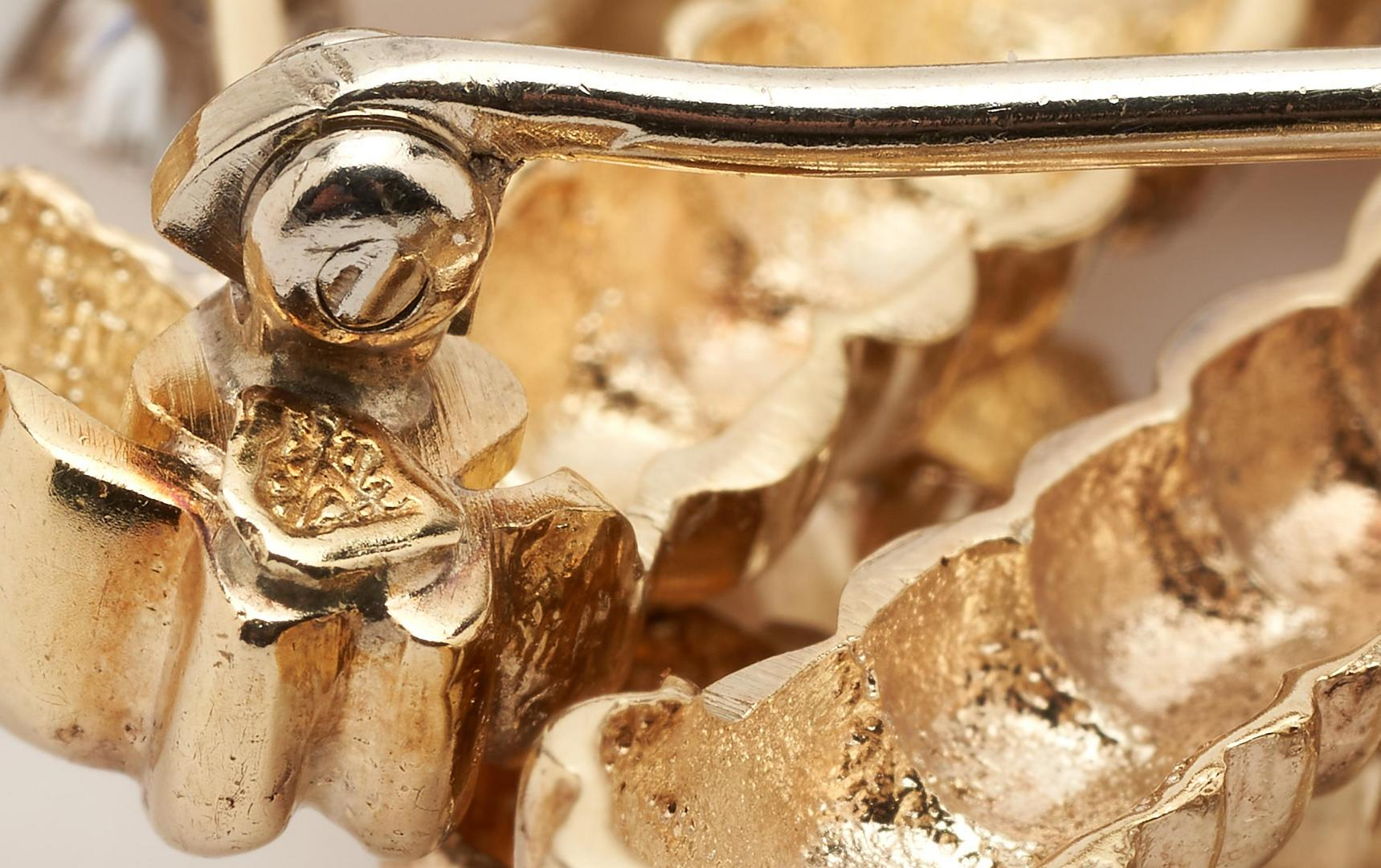 Lot 257: Ladies 14K Gold & Diamond Brooch/Pendant