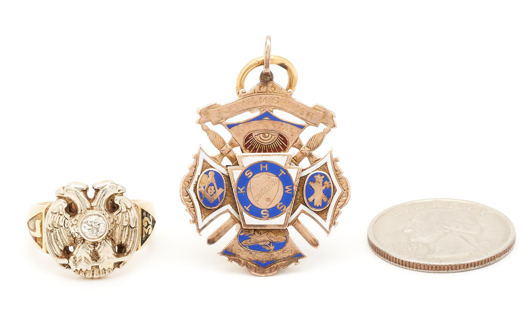 Lot 270: 2 Masonic Jewelry Items, 1 Ring & 1 Pendant