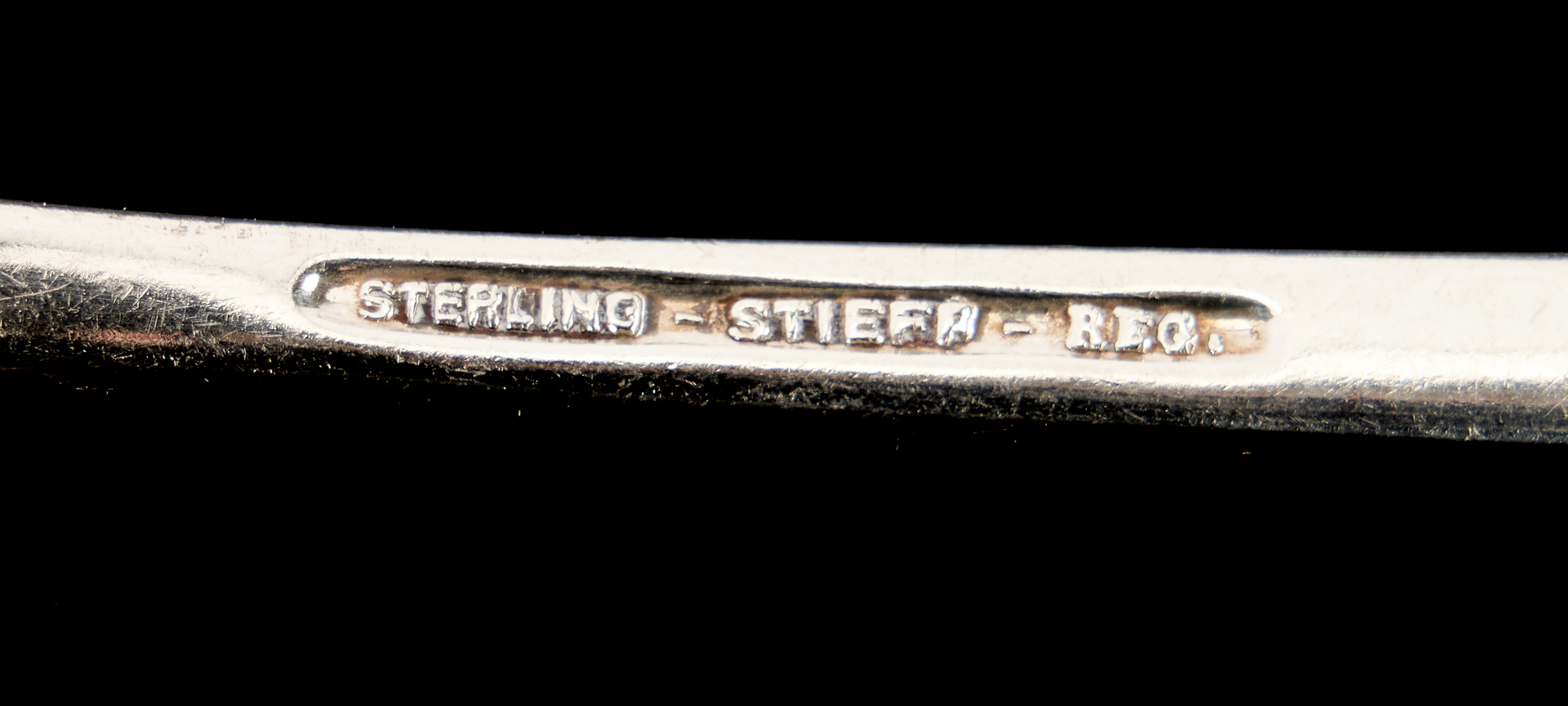 Lot 273: 125 Pcs. Kirk Stieff Sterling Flatware, Rose and Chrysanthemum