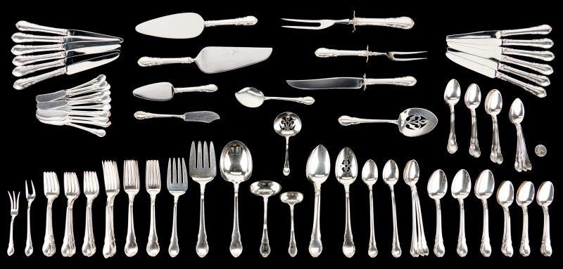 Lot 276: 116 Pcs. Lunt Sterling Silver Flatware, Mignonette Pattern