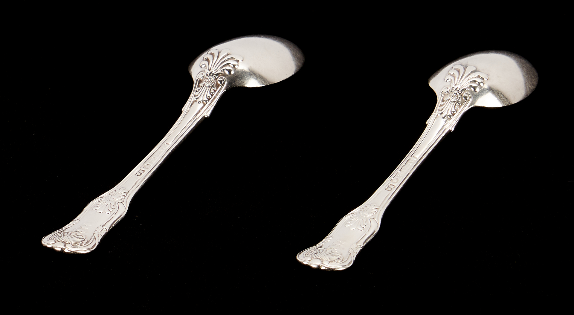 Lot 291: 7 English Shell Spoons, 1 Coin Spoon, 1 Inkwell, 9 items