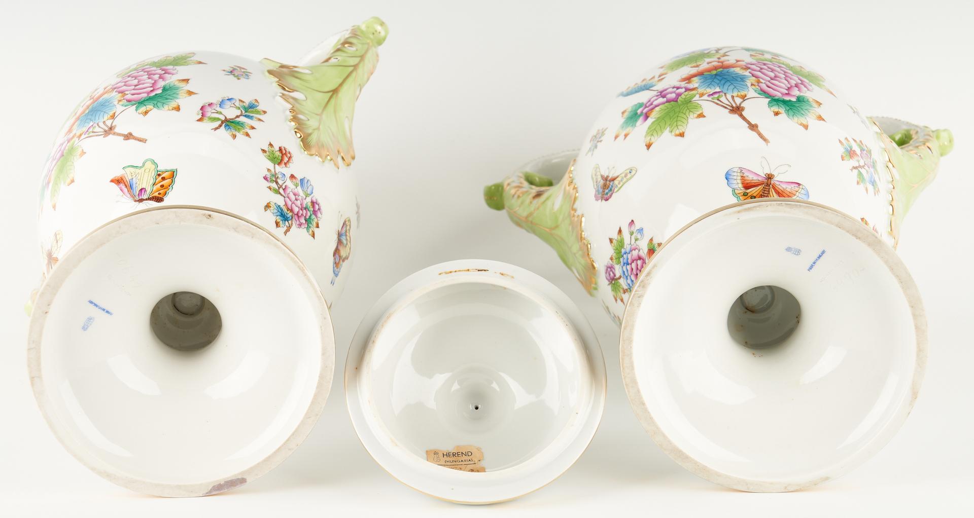 Lot 343: Pair Herend Queen Victoria Porcelain Urns