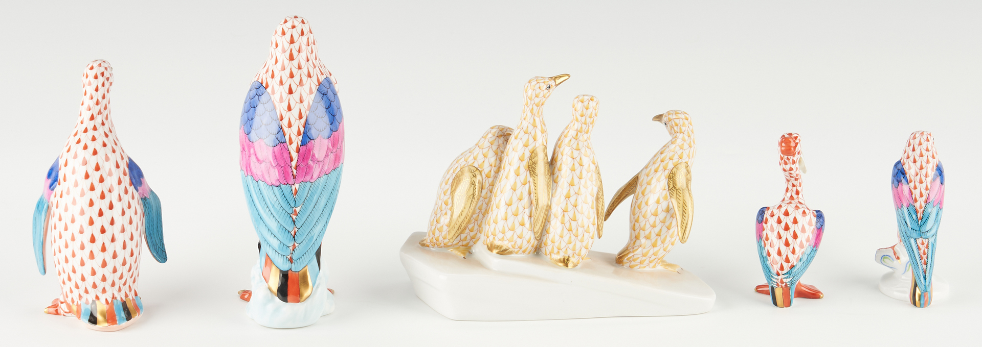 Lot 345: 5 Herend Bird Porcelain Figurines, incl. Penguins on Ice