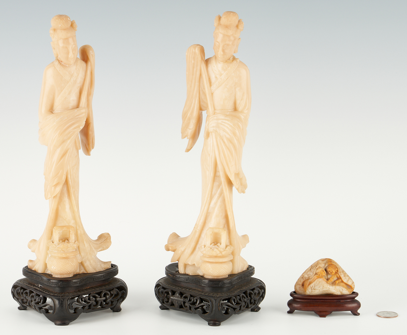 Lot 410: Assembled Group of 6 Asian Decorative Items