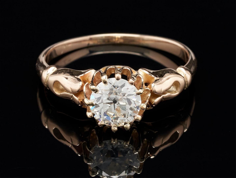 Lot 47: 1.09 ct. Diamond, VS2 H Color, 14K Egyptian Revival Setting