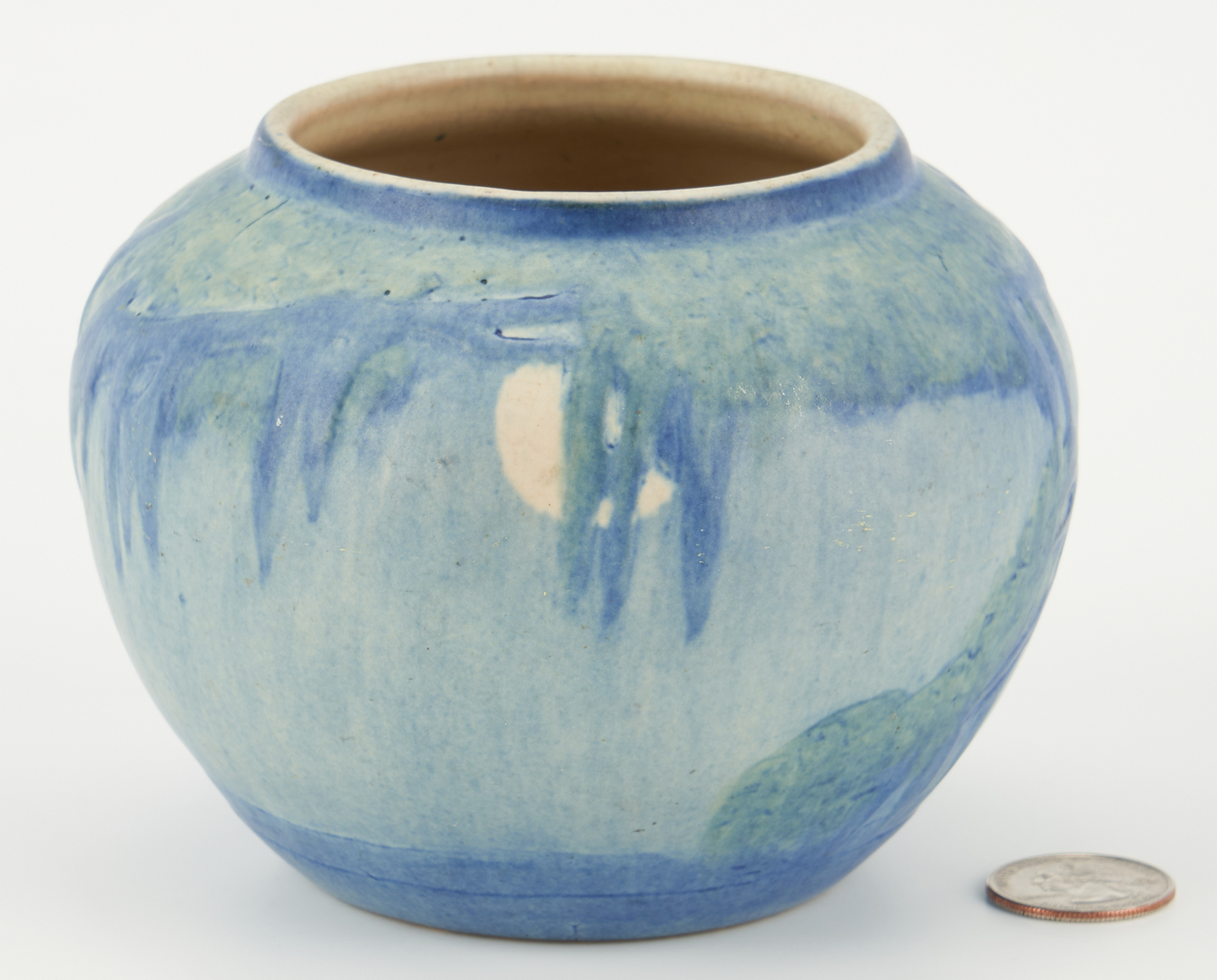 Lot 519: Newcomb College Pottery Vase