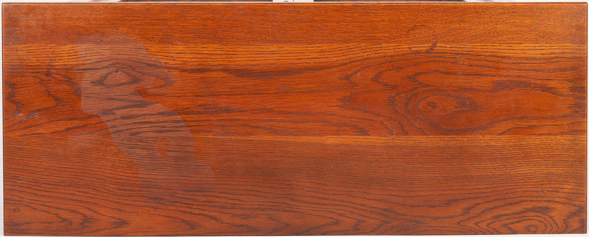 Lot 533: Stickley Brothers Arts & Crafts Oak China Cabinet