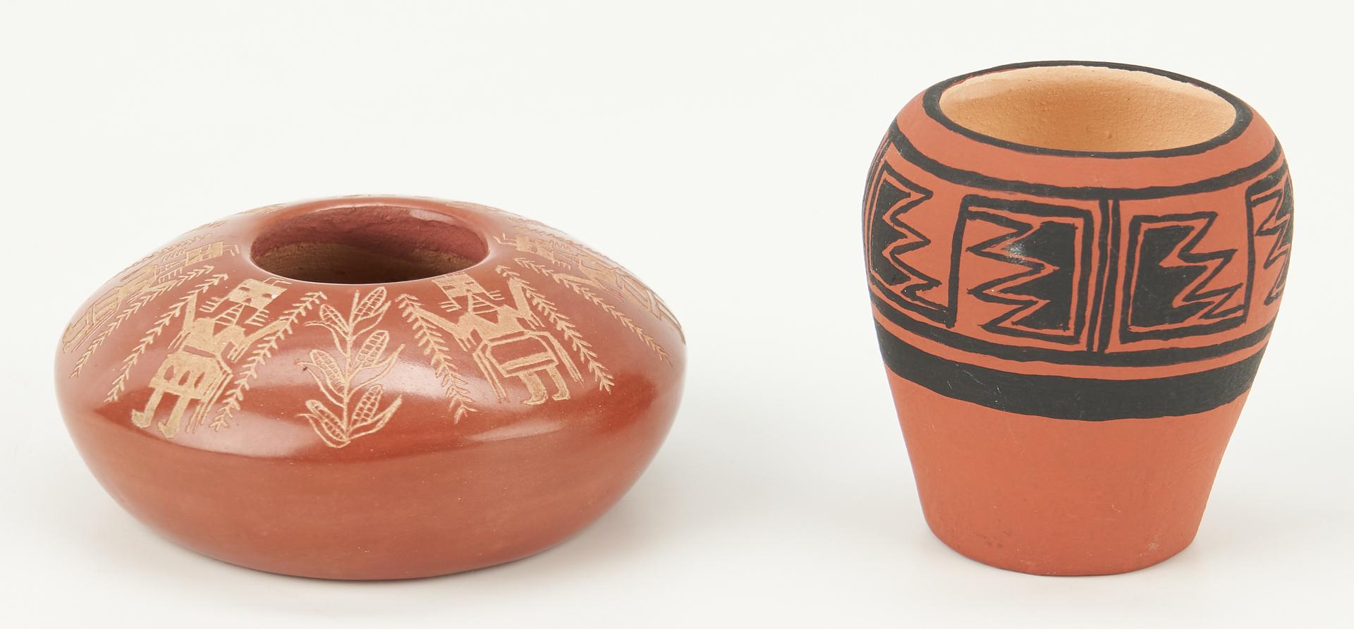 Lot 674: 3 Santa Clara Pottery Items & 2 Mini Baskets, 5 items