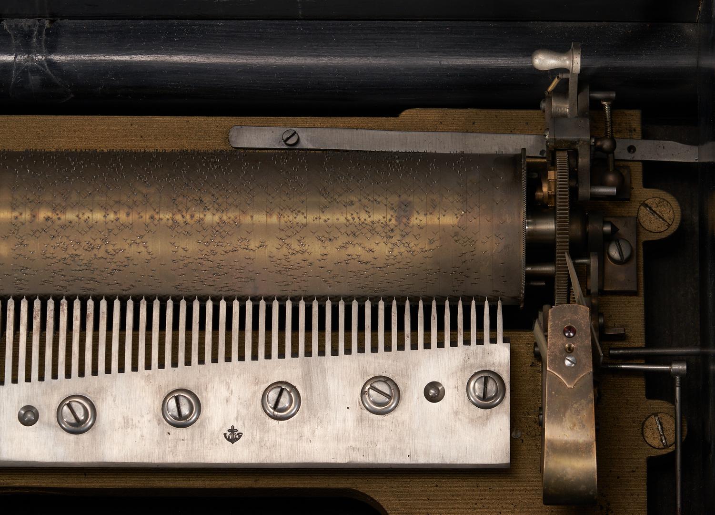 Lot 706: Swiss Paillard 12 Tune Cylinder Music Box