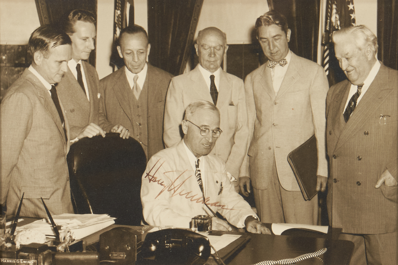 Lot 737: Harry Truman Signing Pen for Bill & Signed Photo, Other