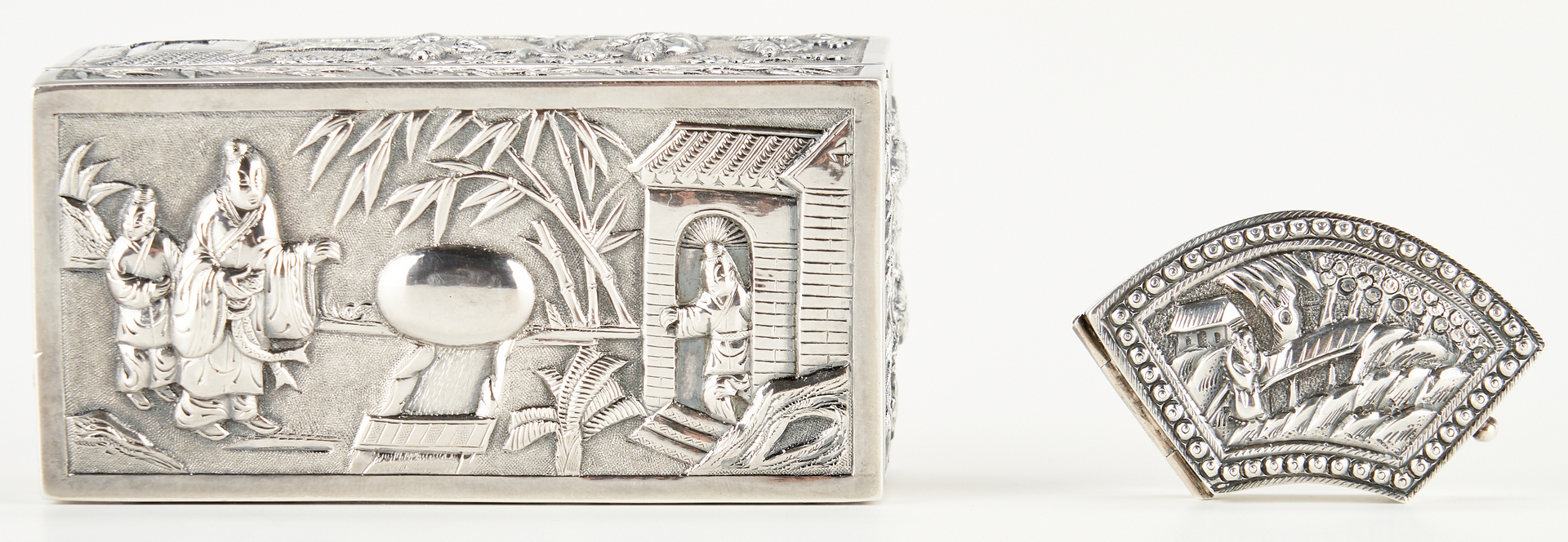 Lot 7: 2 Chinese Silver Snuff Boxes