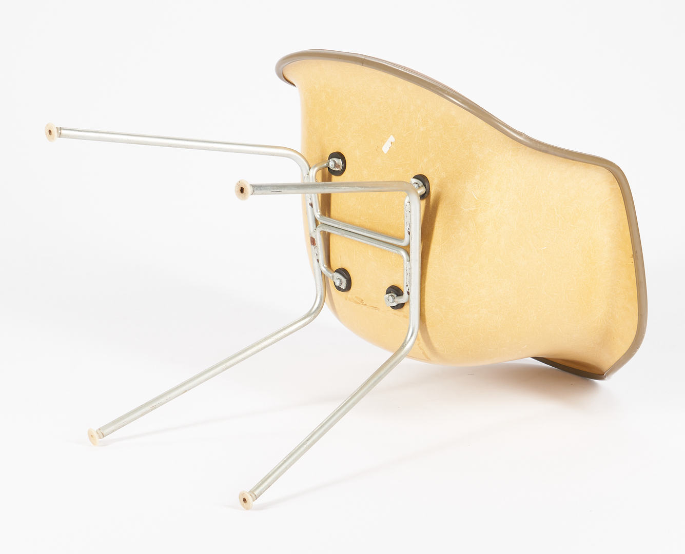 Lot 863: 3 Eames for Herman Miller Shell Chairs