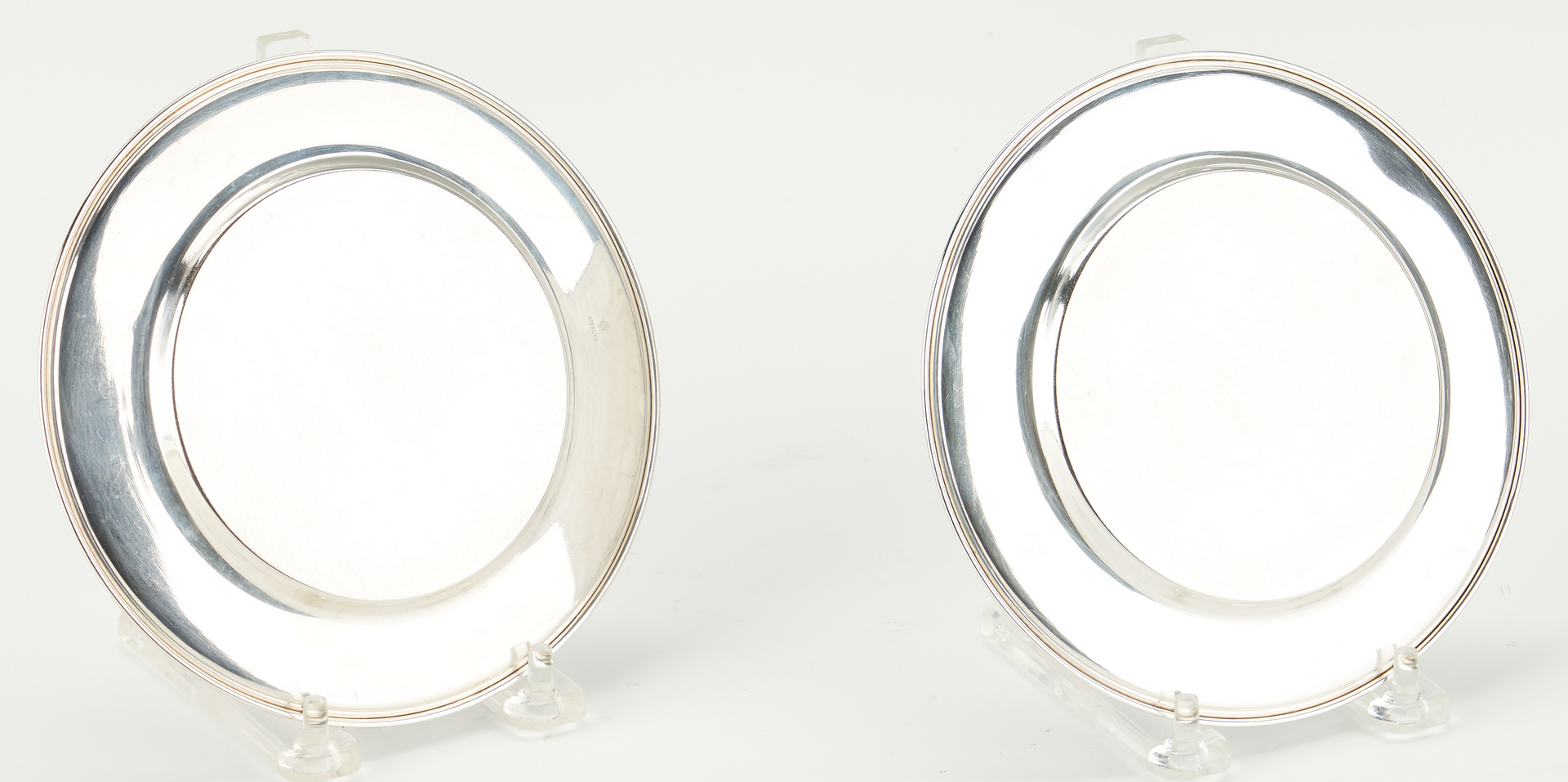 Lot 911: 14 Sterling Silver Bread & Butter Plates, incl. Gorham