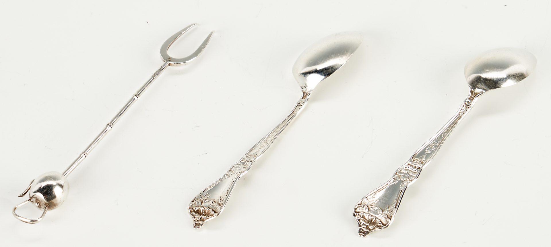 Lot 912: Grouping of 15 Sterling Silver Items, incl. Navarre Gravy Boat