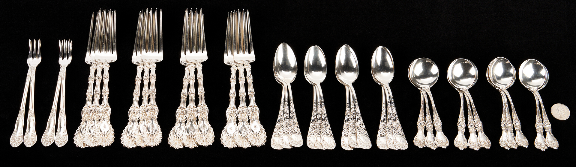 Lot 914: 39 Pcs. Assorted Flatware incl. Whiting Radiant