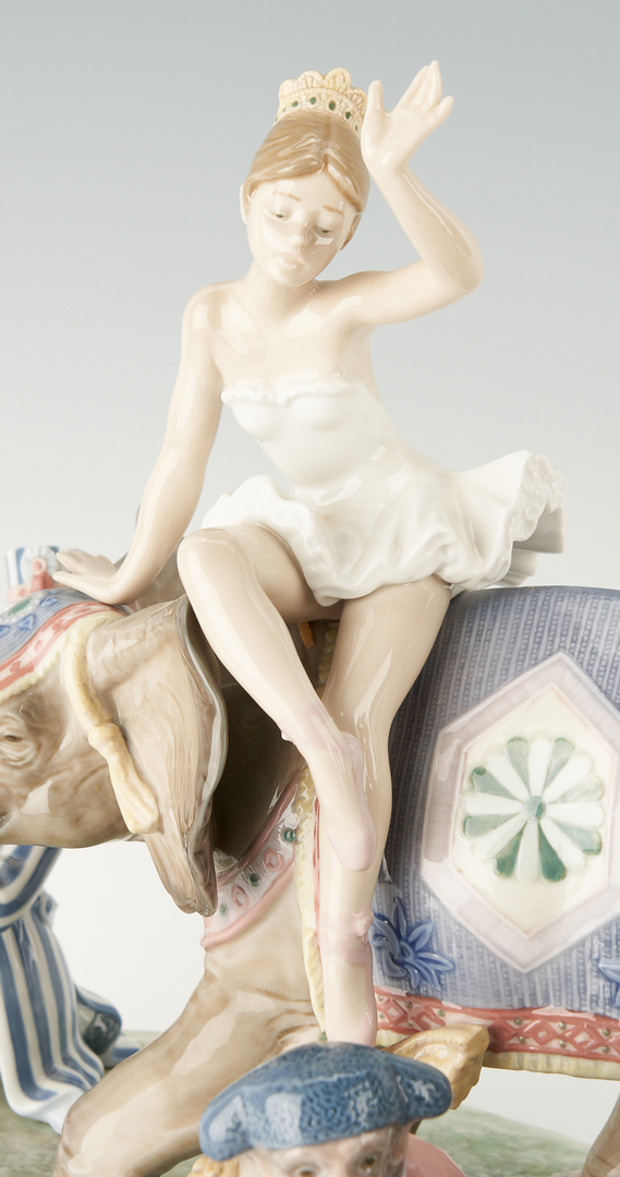 Lot 950: Limited Edition Lladro Figure Group, Circus Parade