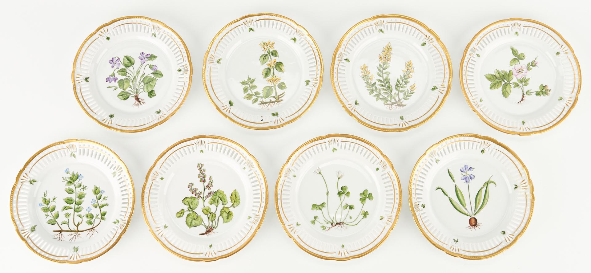 Lot 953: 12 Limoges Faberge & 8 Danish Dessert Plates