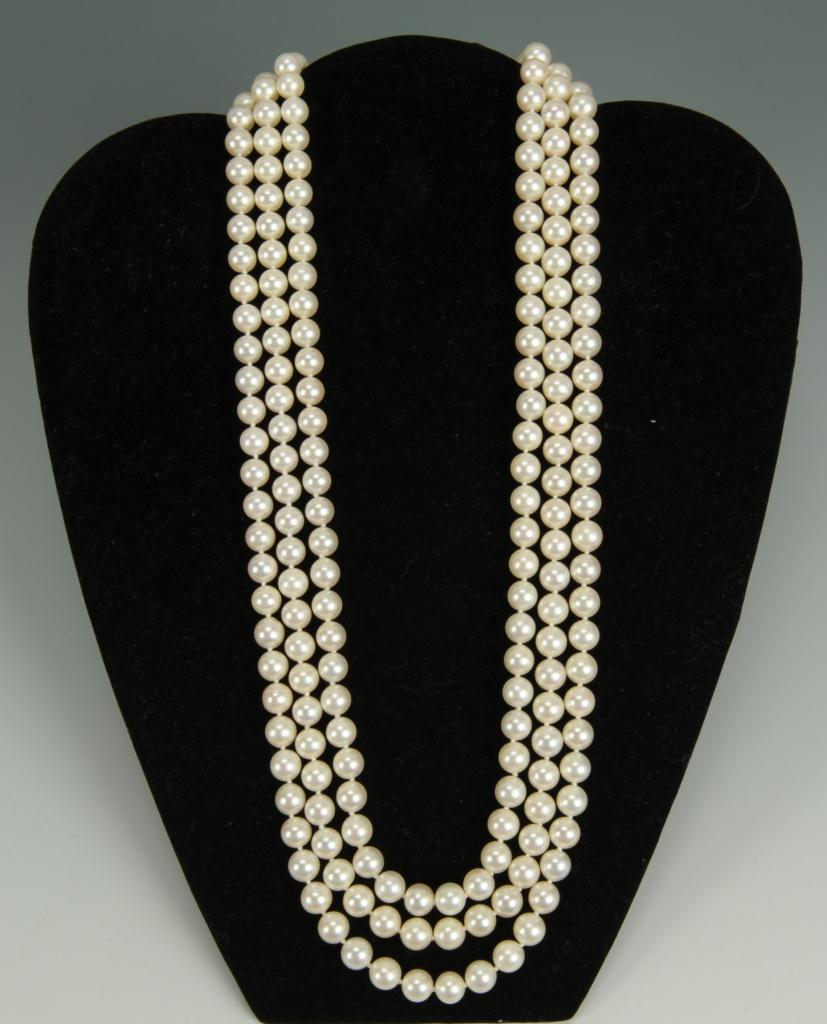 Lot 147: Ladies Cultured Pearl Necklace w/ Diamond Clasp