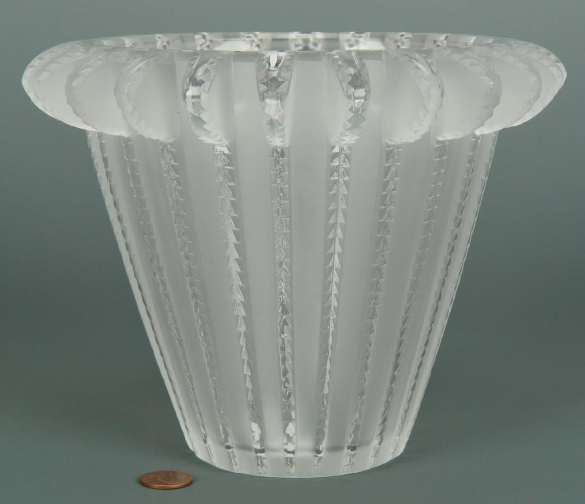 Lot 230: Lalique Royat Vase