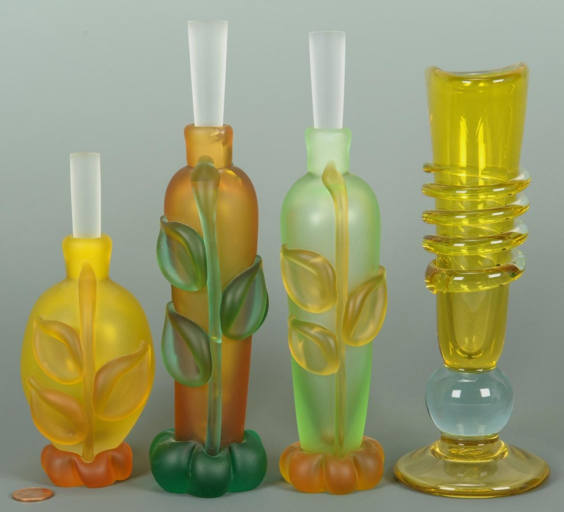 Lot 237: 4 Contemporary Glass Items by Tommi Rush