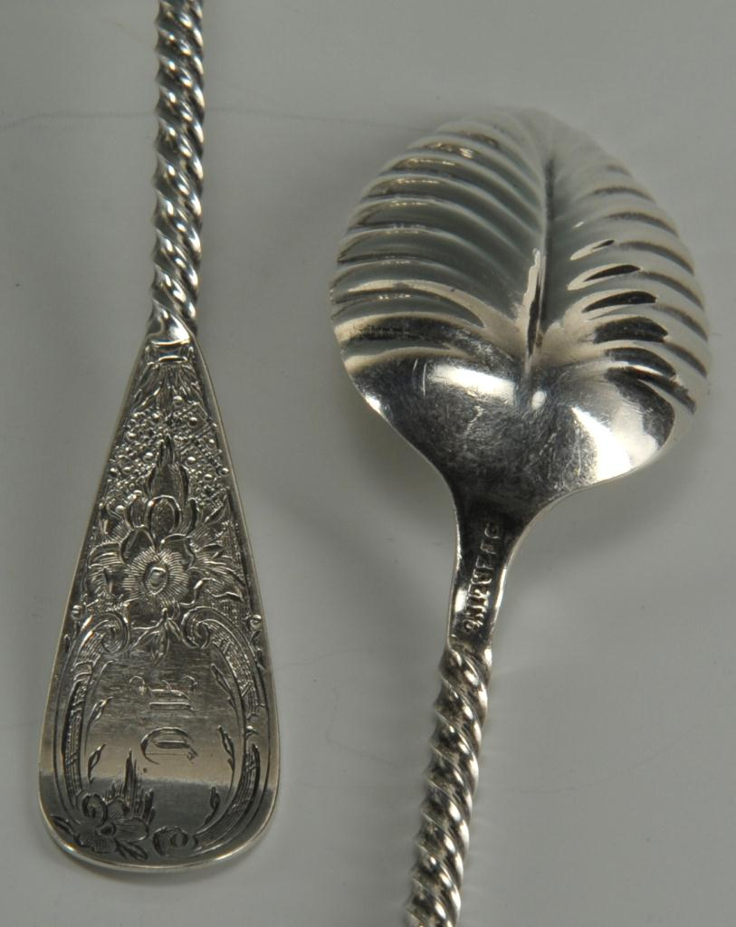 Lot 266: Twelve 19thc. Tiffany silver teaspoons