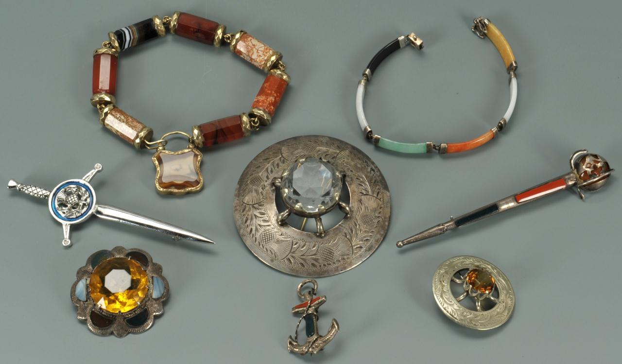 Lot 277: Agateware & stone jewelry items, 10K & silver