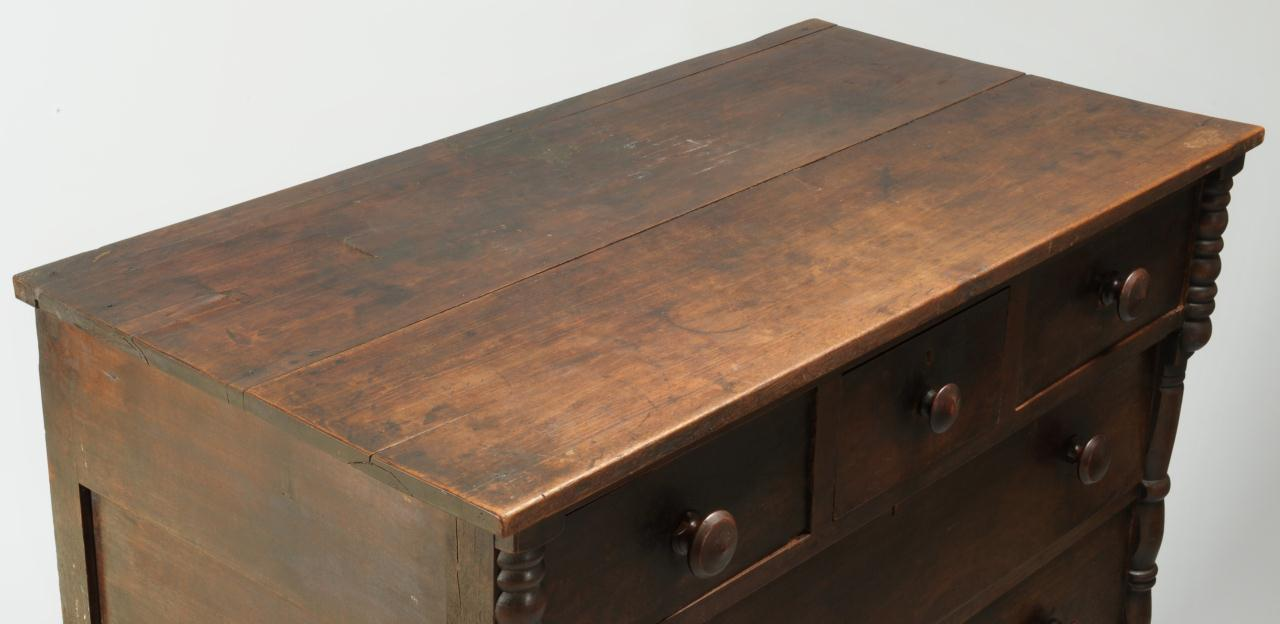 Lot 281: East Tennessee Chest of Drawers