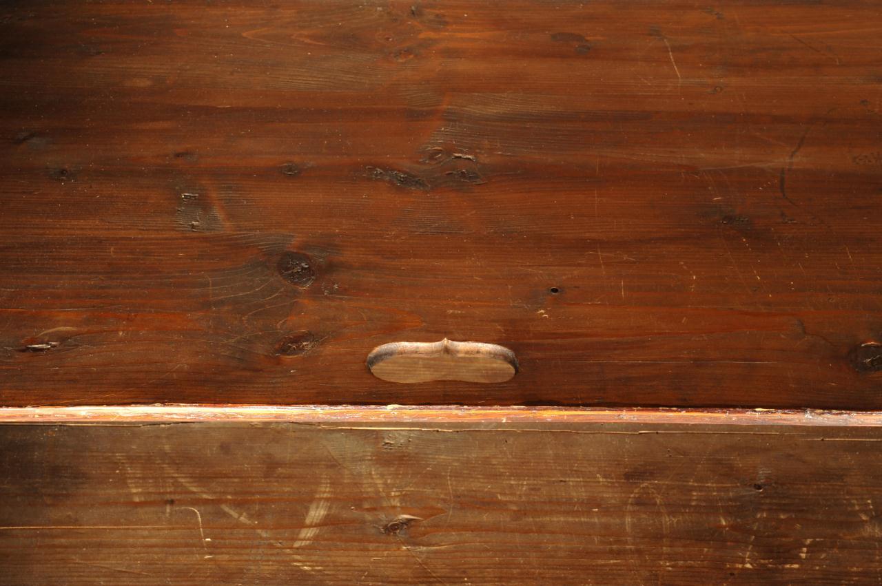 Lot 377: George III Mahogany Linen Press