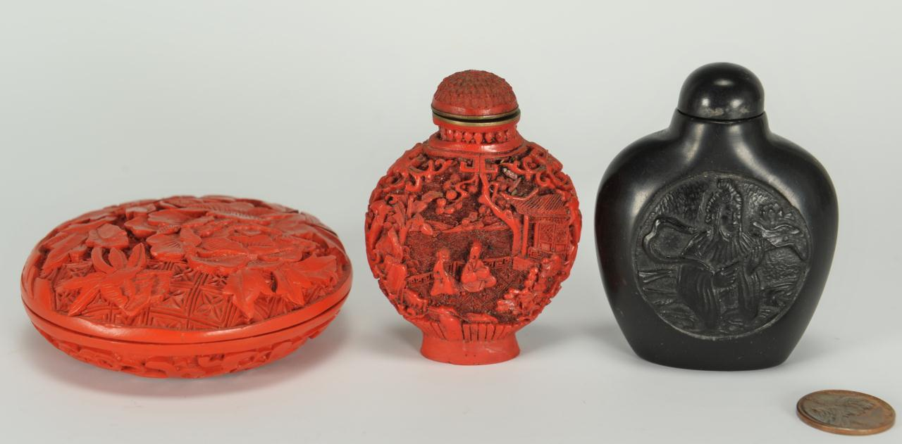Lot 389: 2 Chinese Snuff Bottles and a cinnabar compact