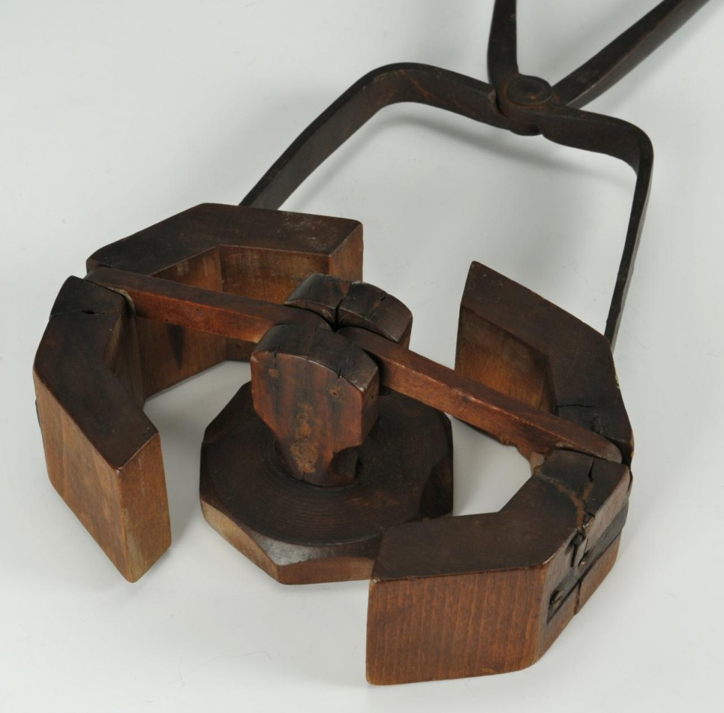 Lot 440: 2 Wooden Tools: Butter Mold with Clamp & Peeler