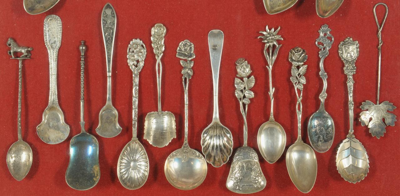 Lot 467: Collection of European Souvenir Tea & Salt Spoons
