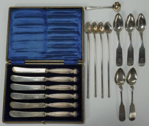 Lot 485: Assorted sterling silver flatware items, 16 pcs