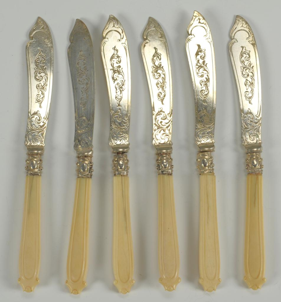Lot 488: 14 pieces Victorian and Edwardian flatware