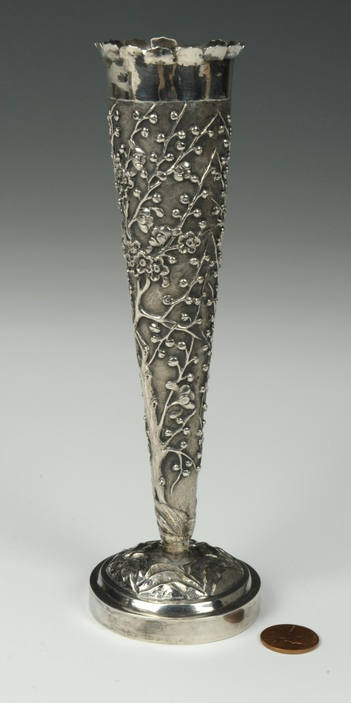 Lot 4: Chinese silver bud vase