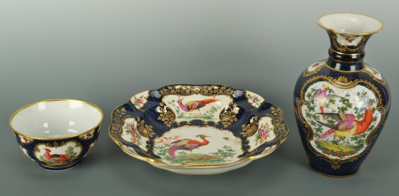 Lot 555: Three late 18th c. English Porcelain pieces with c