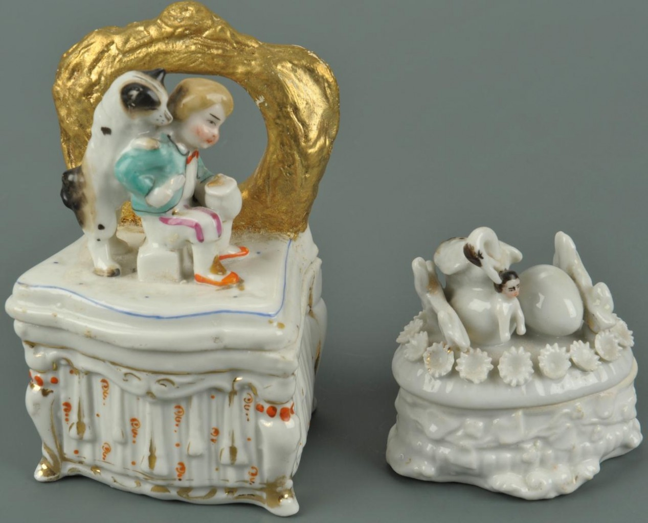 Lot 559: 5 porcelain fairings or trinket boxes