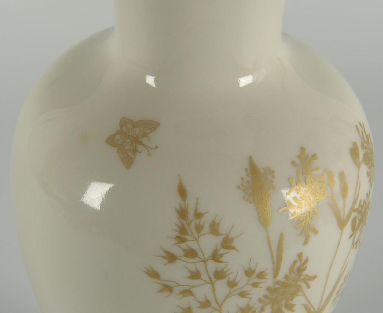 Lot 565: Group of 3 German Porcelain Vases