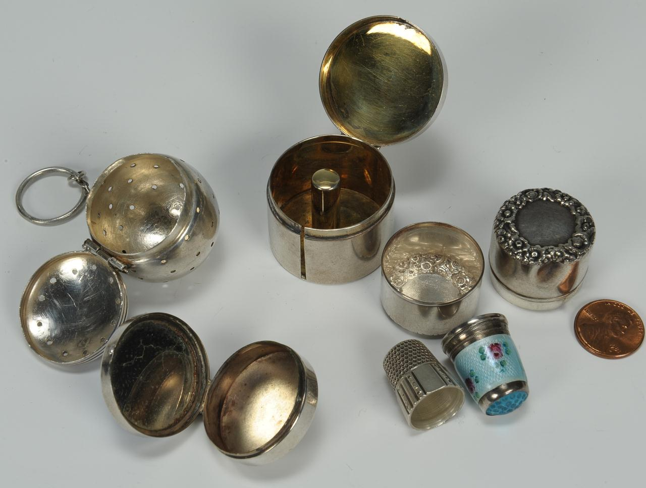 Lot 583: Group of six silver novelties inc. sewing