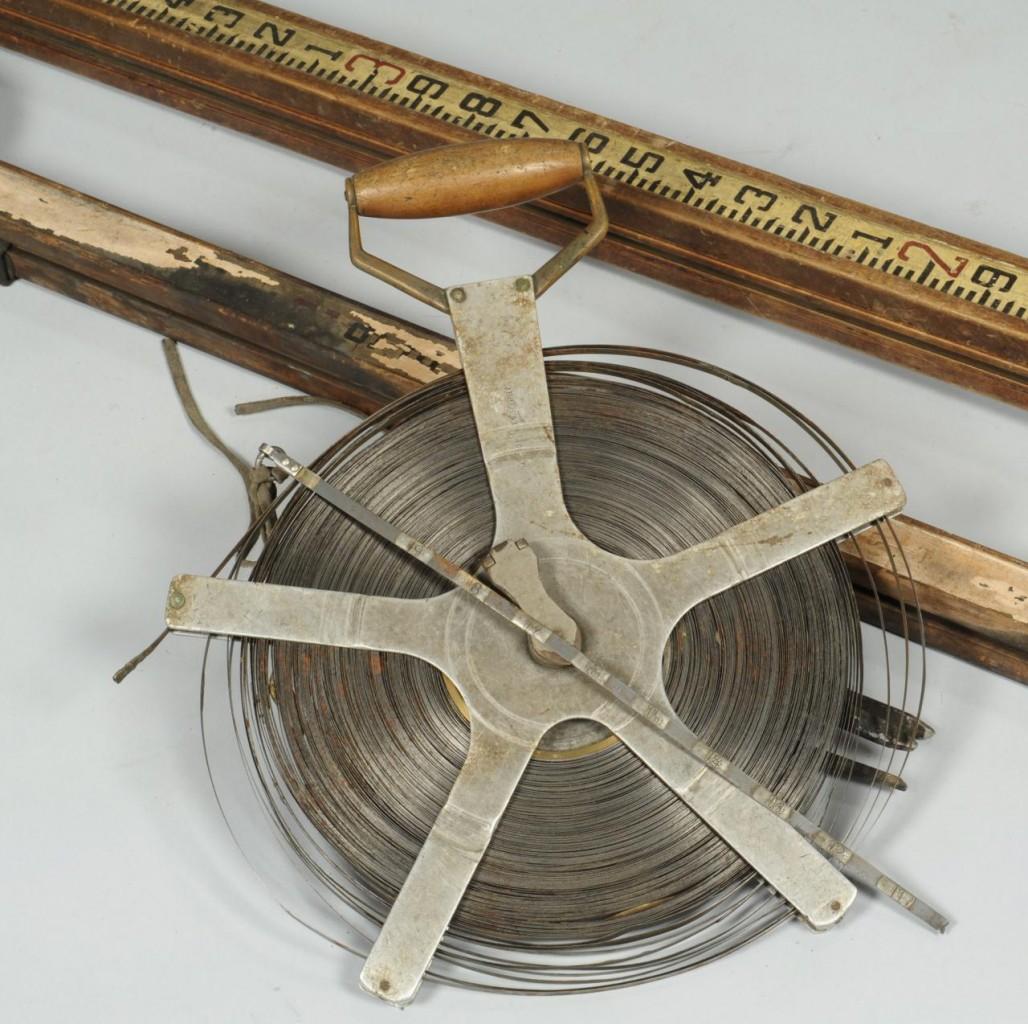 Lot 605: Surveyor's Leveling Rods & Tape Measure