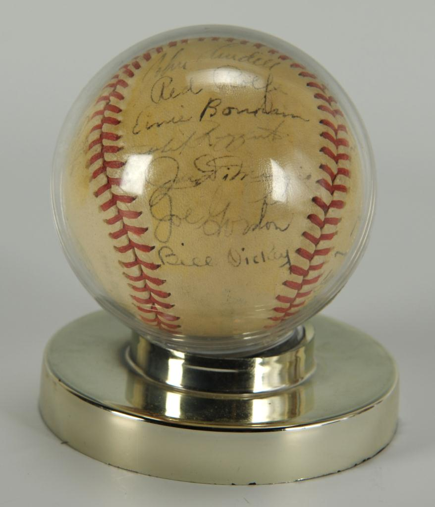 Lot 638: 1946 Yankees Signed Baseball w/ DiMaggio