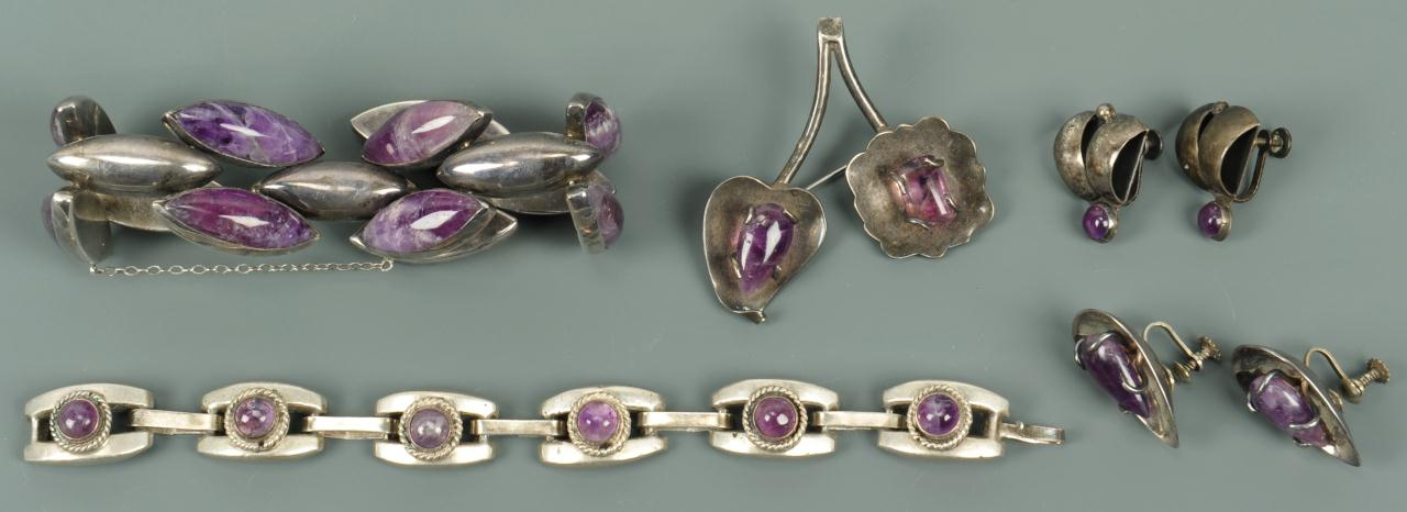 Lot 726: Group of Mexican amethyst quartz jewelry, 5 items