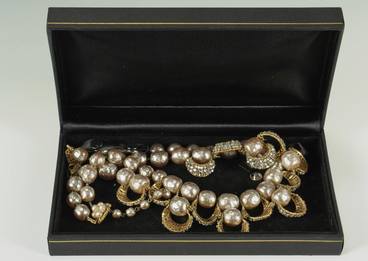 Lot 733: Miriam Haskell Pearl and Rhinestone Necklace