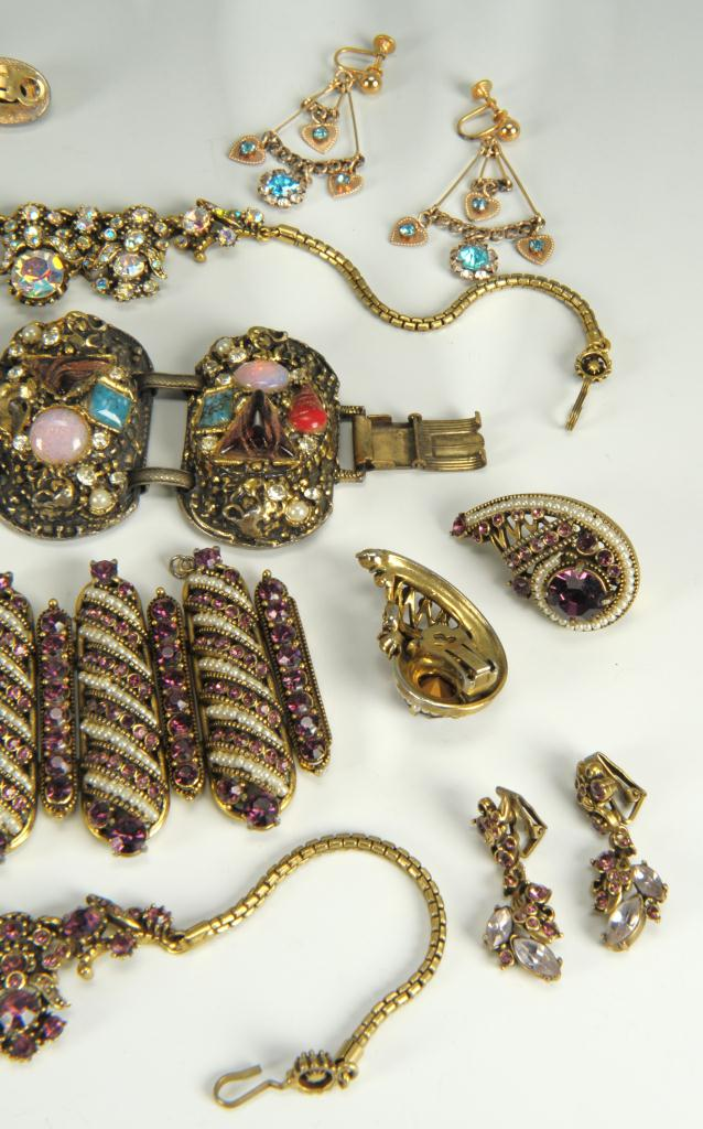 Lot 735: Costume Jewelry Incl Hollycraft & Sphinx & other