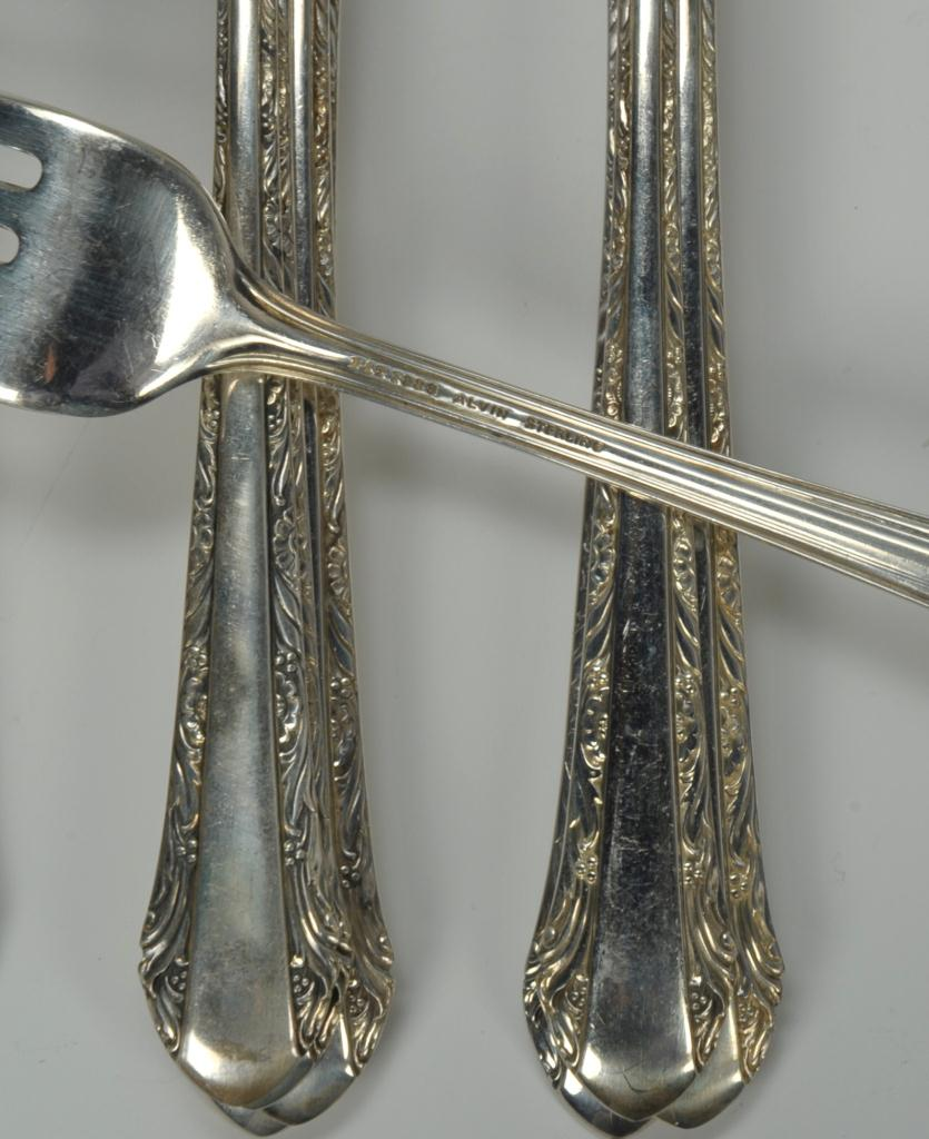 "Lot 741: Alvin ""Chased Romantique"" Sterling Flatware, 47 pc"