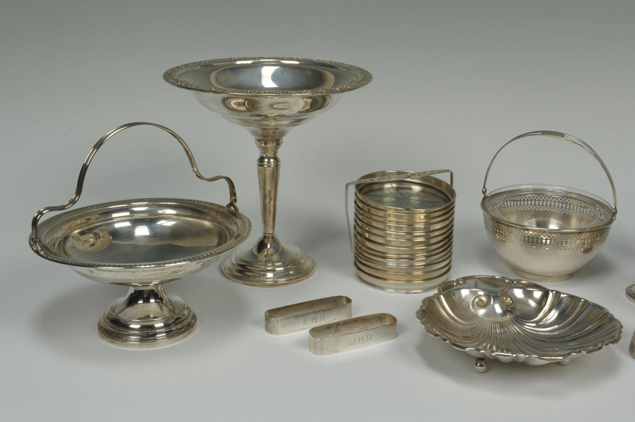Lot 749: Lot of assorted sterling tableware, 11 items