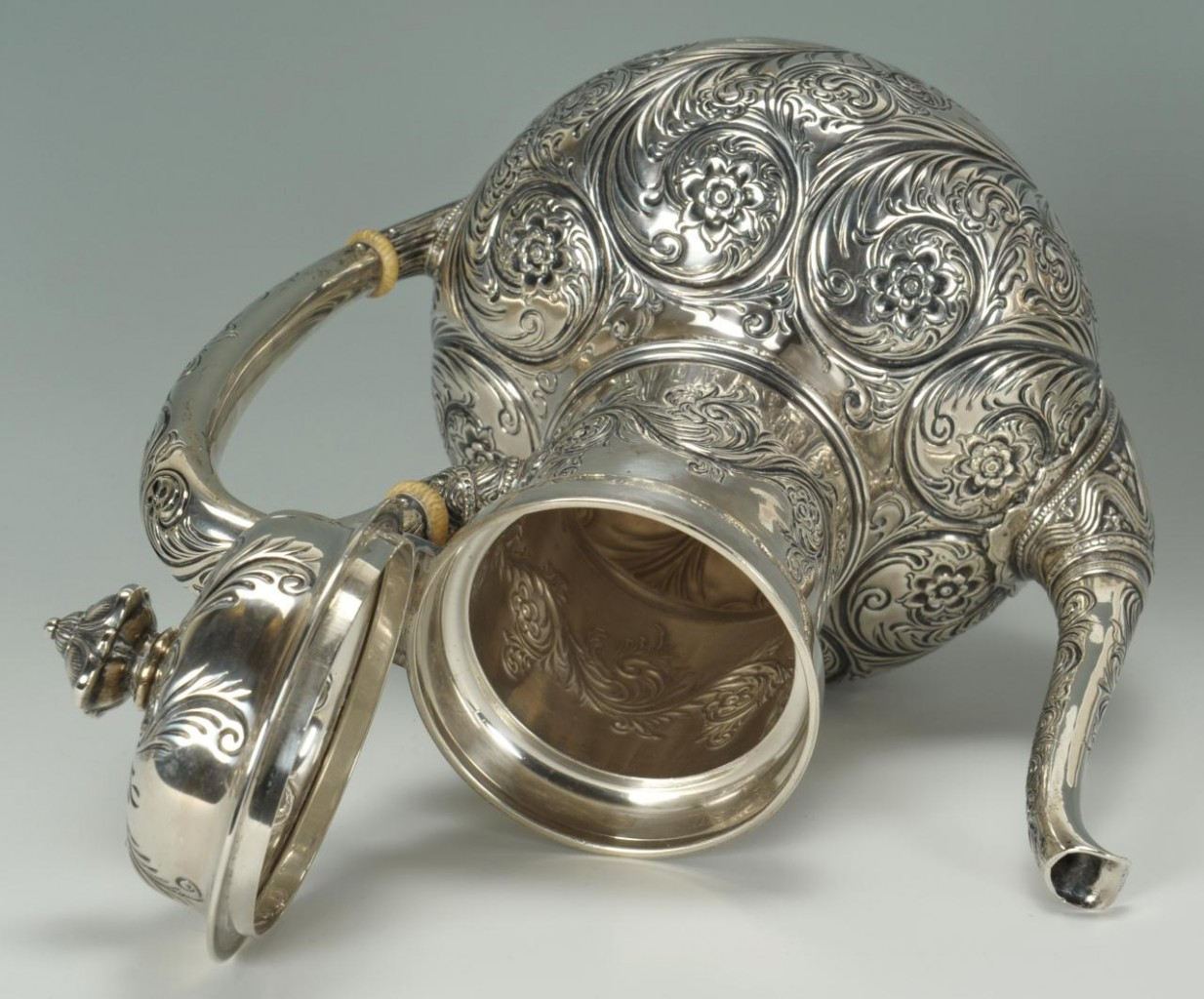 Lot 79: Tiffany Persian Tea and Coffee Service, 5 pcs