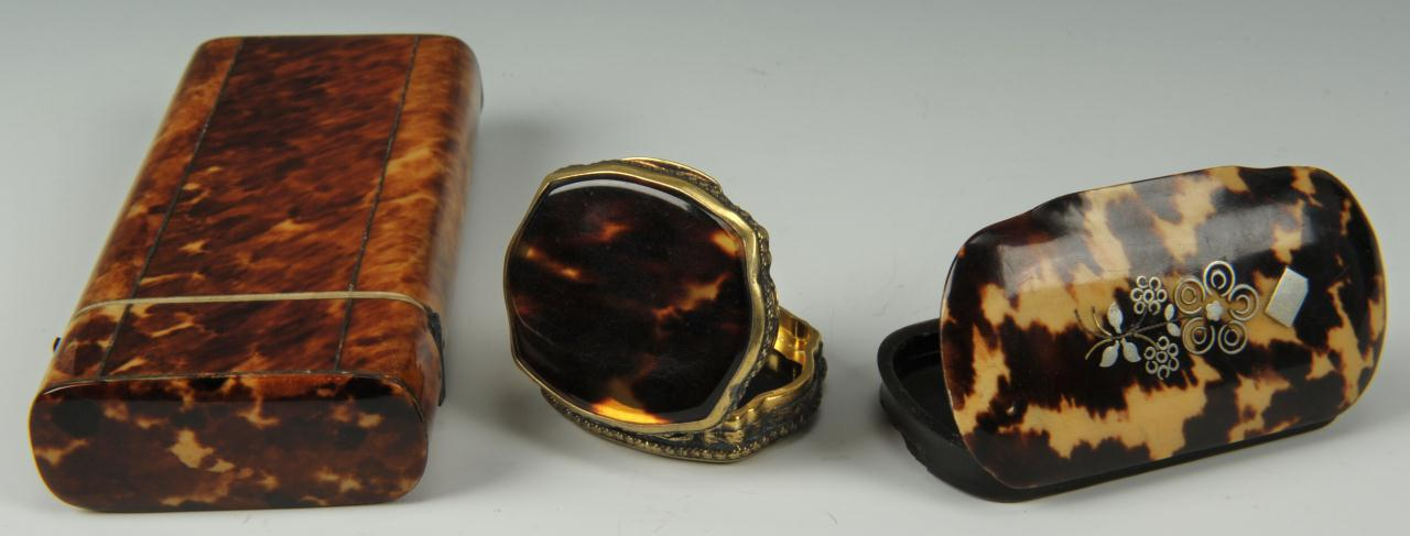 Lot 95: Three tortoise shell boxes inc cigarette case